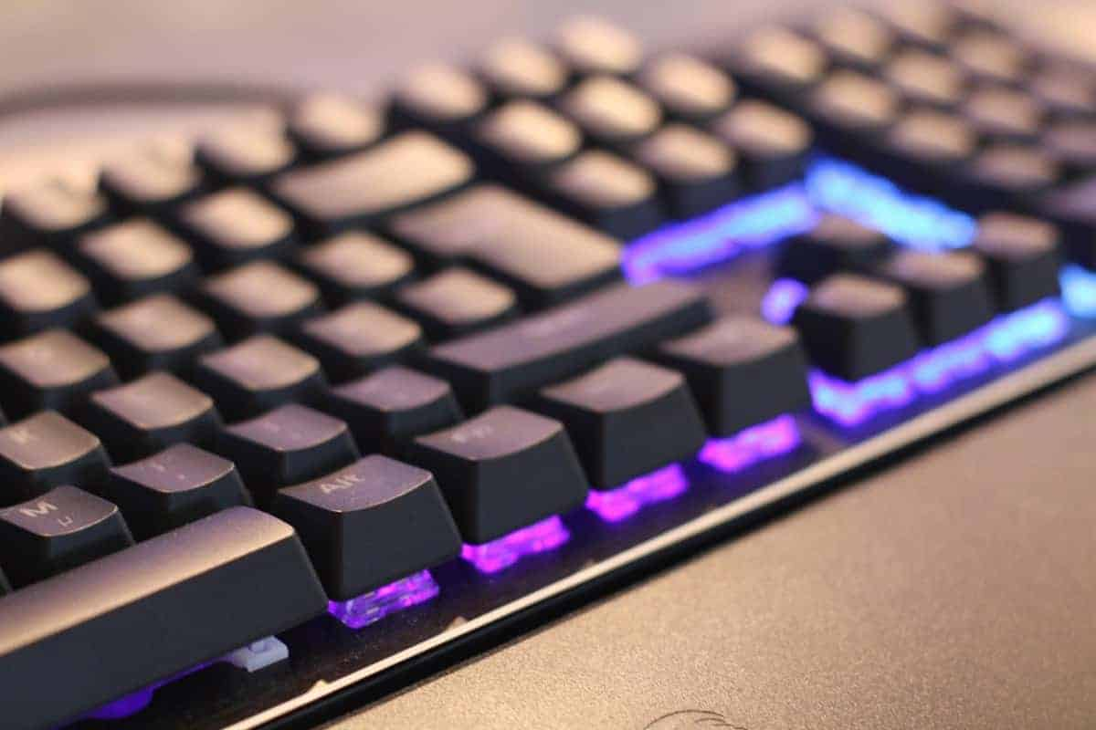 What is a Mechanical Keyboard? (And How They Work)