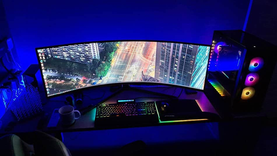 Best High-end Monitor for Gaming (And Productivity) 1